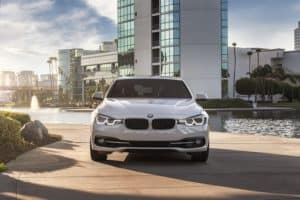 2019 BMW 3 Series  Performance Features