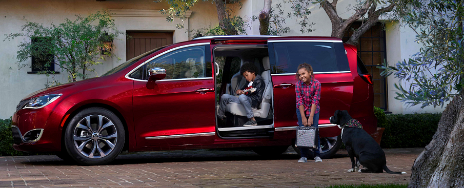 2019 Chrysler Pacifica Limited velvet red pearl coat