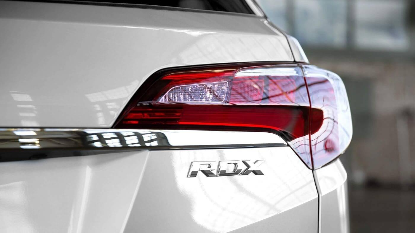 2017-Acura-RDX-base-back