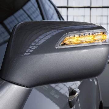 2017-Acura-RDX-base-in-slate-silver-metallic-side-mirror_hirescropped-XL