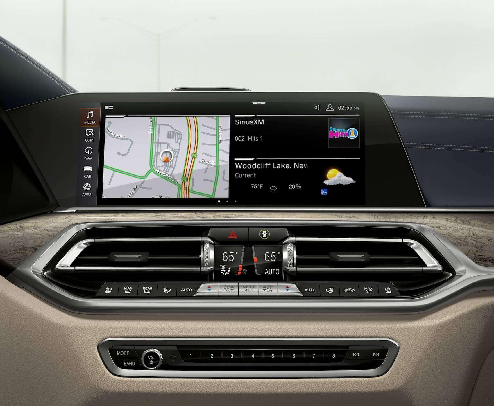 2020 BMW X7 technology Hilton Head, SC