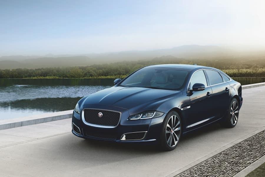 Jaguar XJ Performance Features