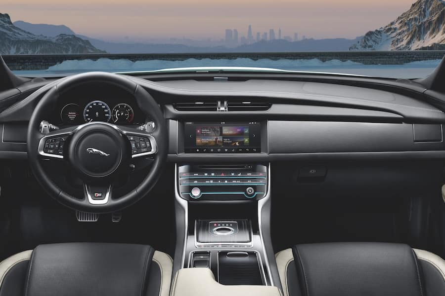 Jaguar XF Infotainment