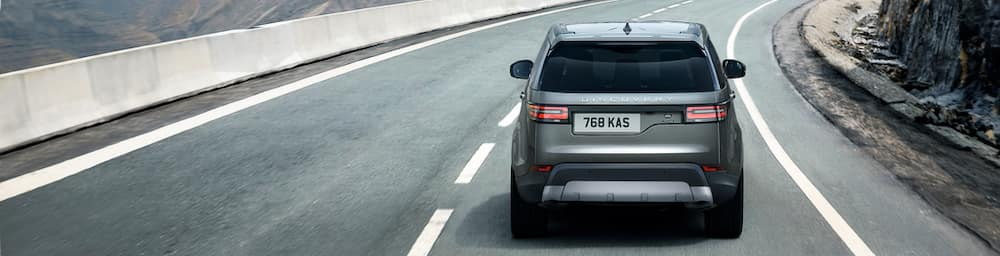 2019 Land Rover Discovery vs Range Rover