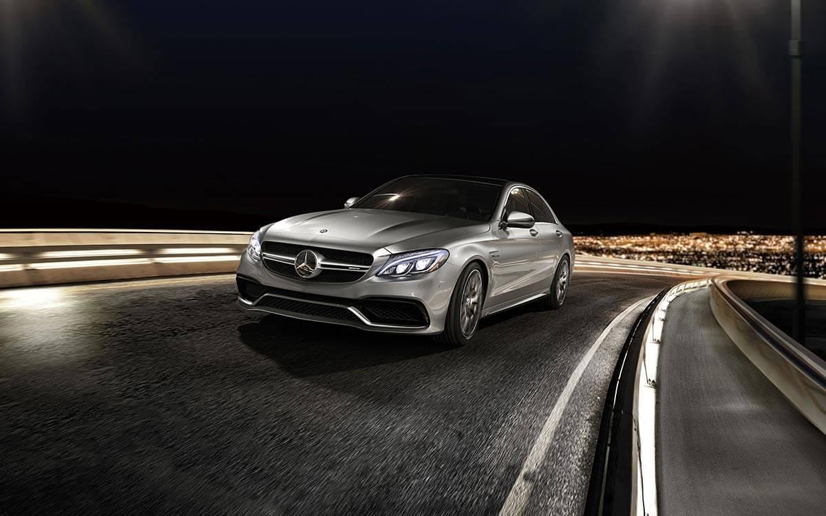 2017-AMG-C-63-S Driving