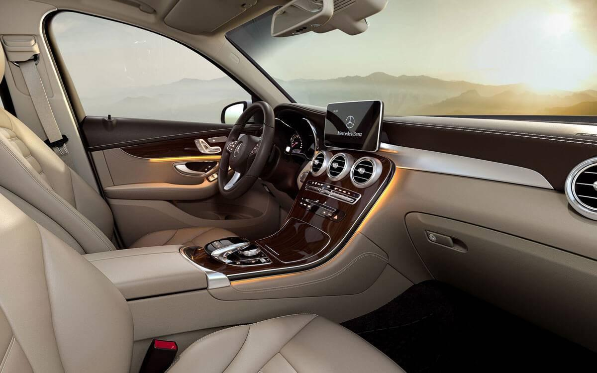2017 GLC interior dashboard view
