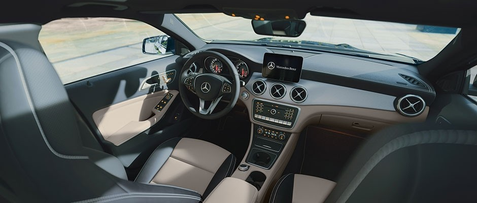 2018 mercedes benz gla interior mercedes benz of boerne for Mercedes benz inside view