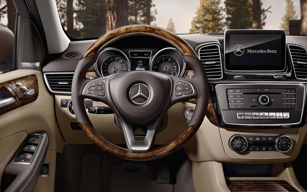 Mercedes-Benz GLE Dashboard