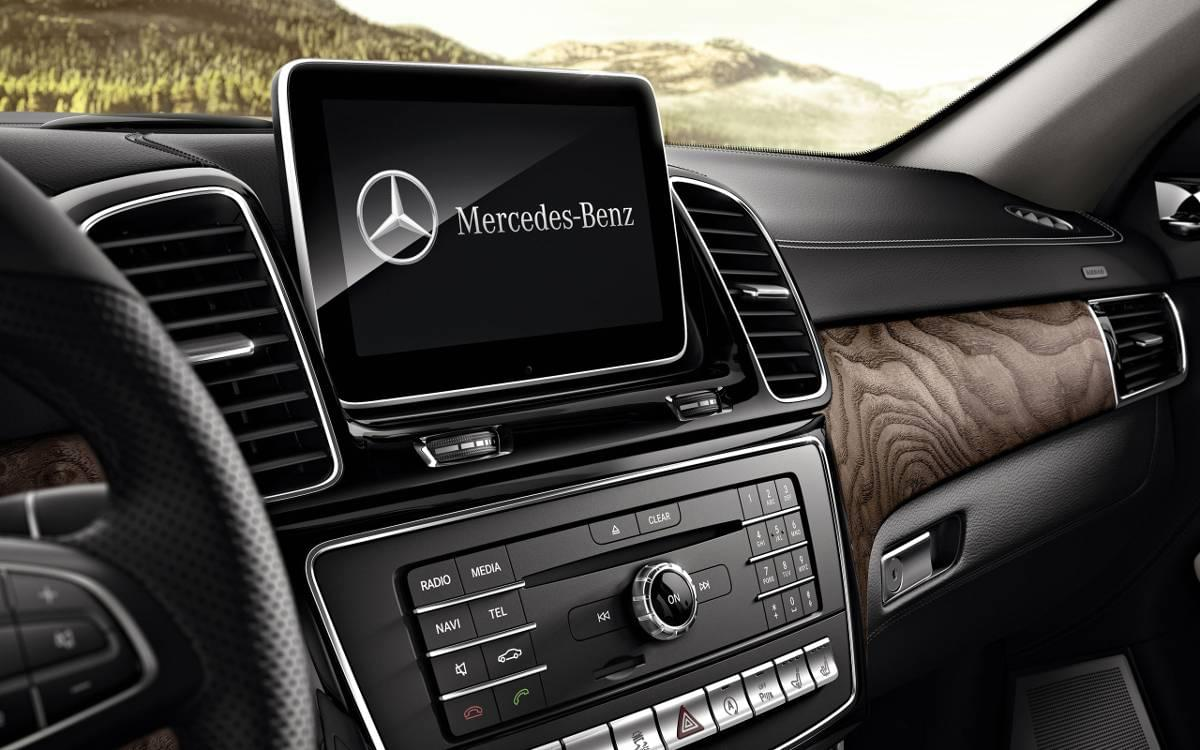 Mercedes-Benz GLE Media Console