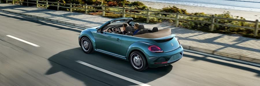 2018 Volkswagen Beetle 2.0T in Silk Blue Metallic