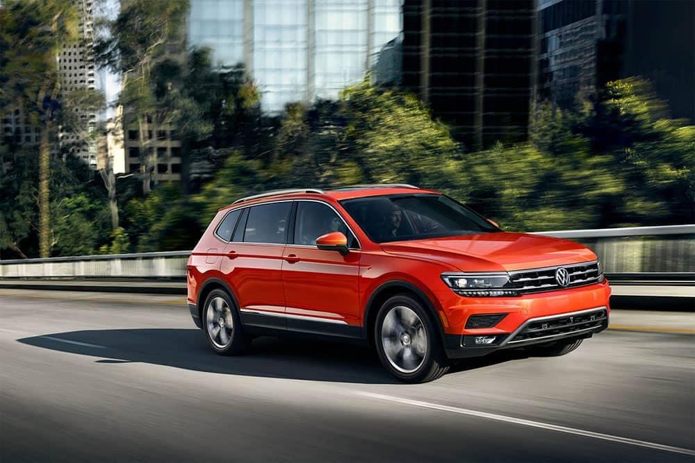 2019 VW Tiguan Driving