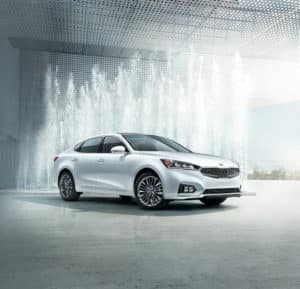 White 2019 Kia Cadenza Limited