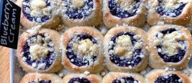 Community Spotlight: Four Czechs Bakery